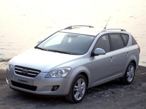 2007_Kia_ceed_sporty_wagon_2