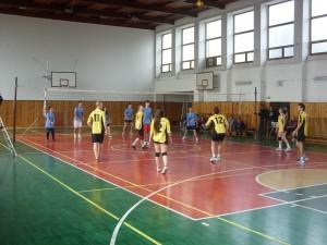 Koncoročný volejbalový turnaj zmiešaných druž o pohár riad 2013 008