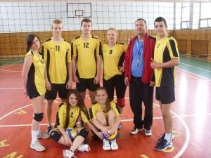 Koncoročný volejbalový turnaj zmiešaných druž o pohár riad 2013 053