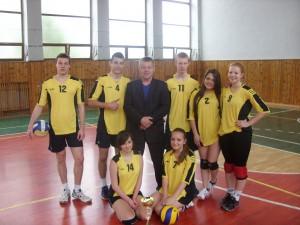 Koncoročný volejbalový turnaj zmiešaných druž o pohár riad 2013 063
