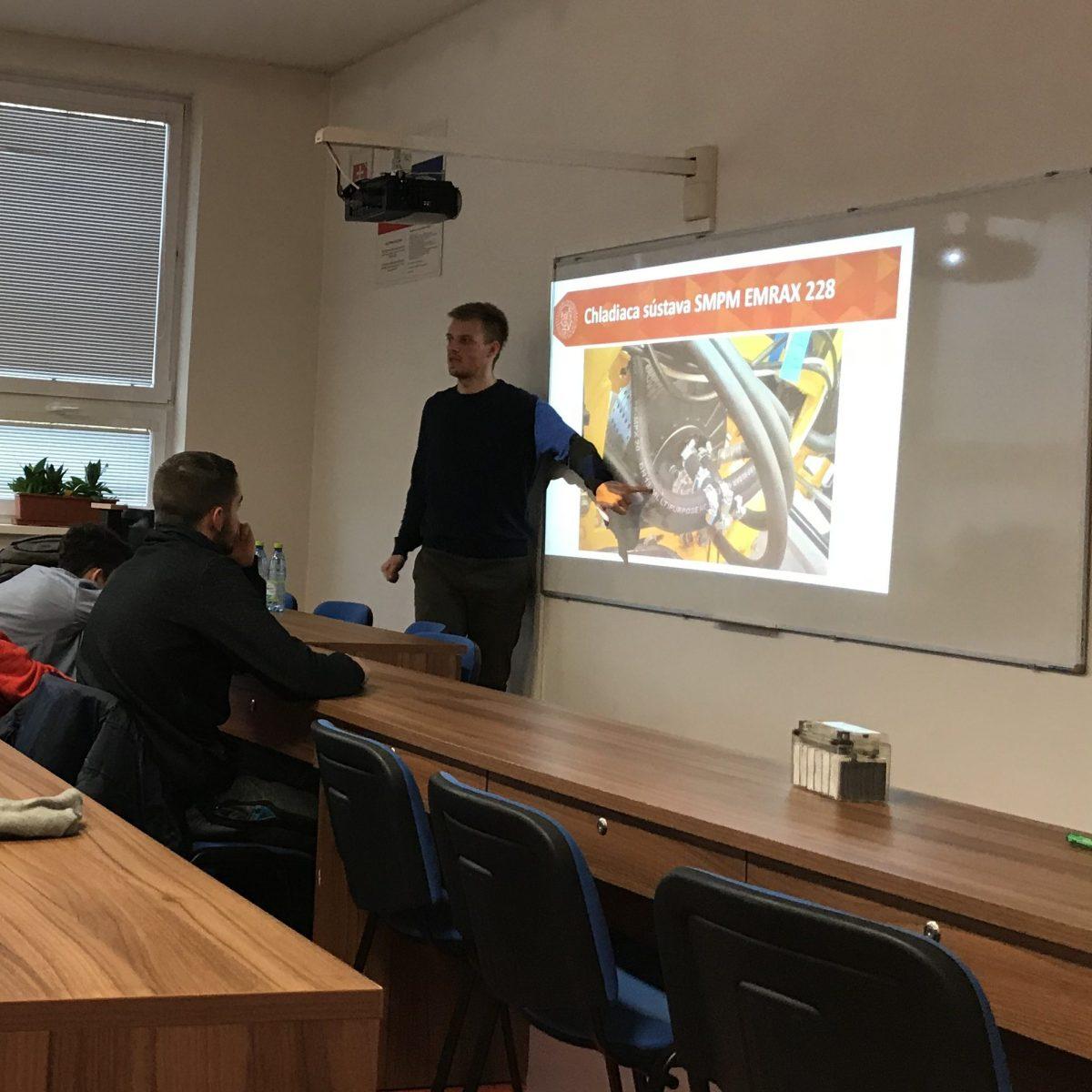 Odborná prednáška na tému Motormanažment – Riadenie spaľovacích motorov a elektromobily
