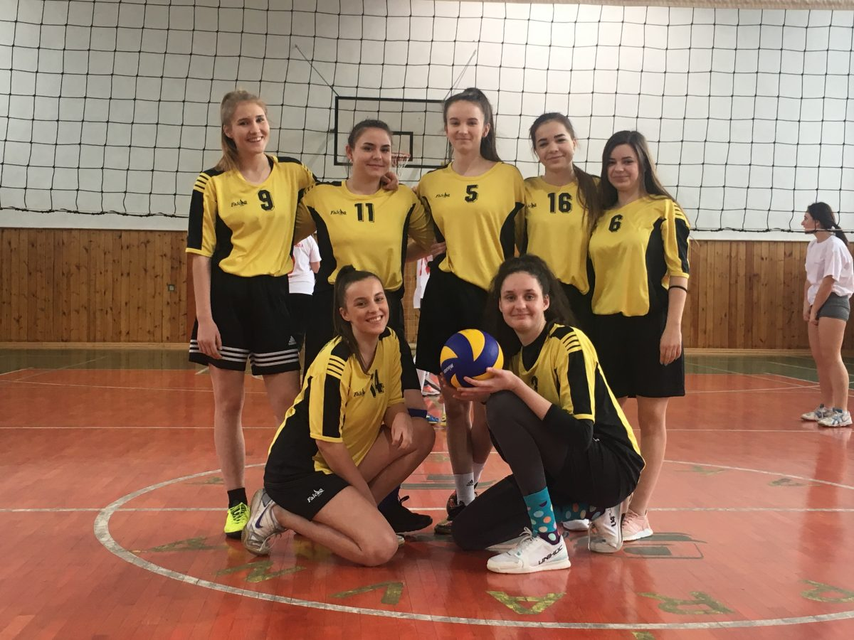 Majstrovstvá okresu žiačok SŠ vo volejbale