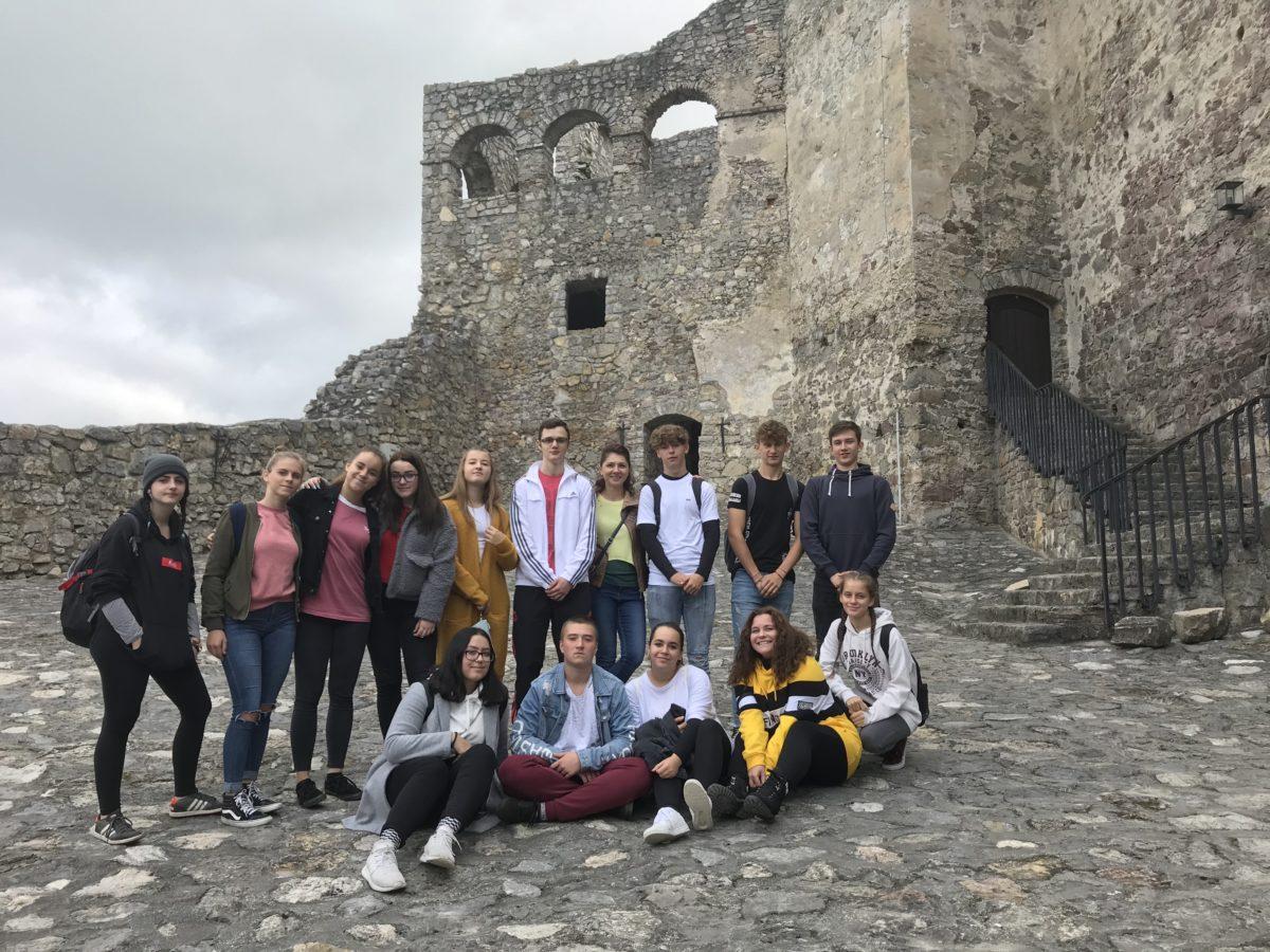 Strečniansky hrad zahalený v angličtine