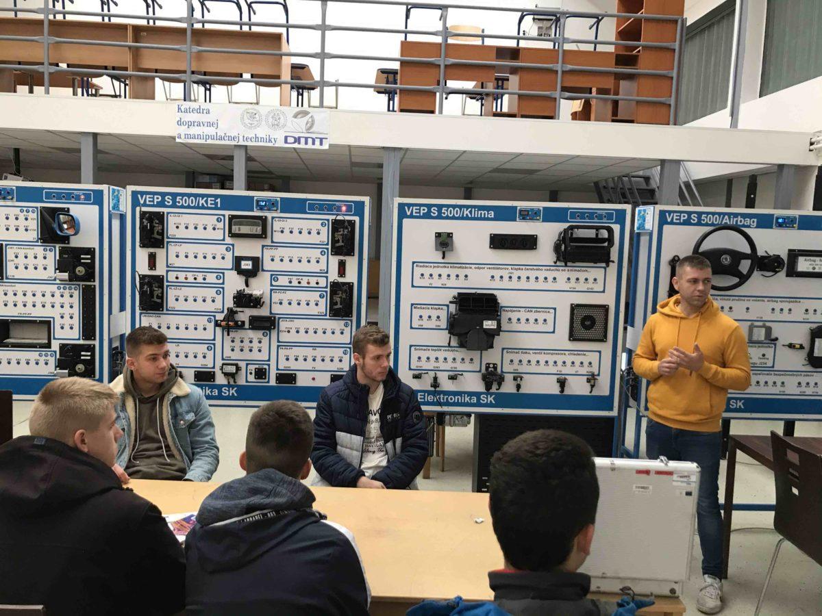 Odborná exkurzia v autolaboratóriách Žilinskej univerzity v Žiline
