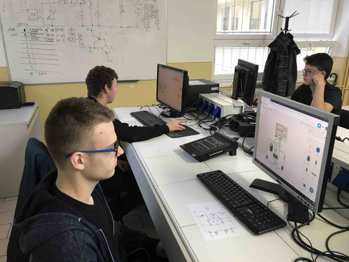 Praktická elektronika 2019 – školská elektrotechnická súťaž III.AM vs. III.BM